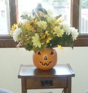 Fall Pumpkin w:flowers