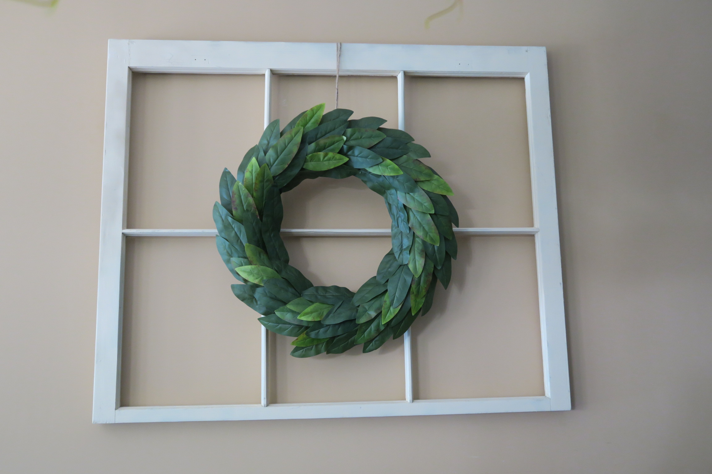 Magnolia Wreath on wall1