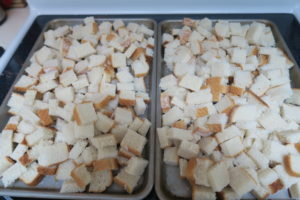 stuffing1-bread-cubes